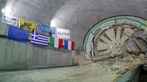 Επέκταση-Μετρό-Πειραιάς-678x381